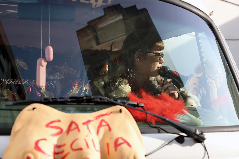 Terra Falsa - Fabiana Faleiros Sata Cecilia 2